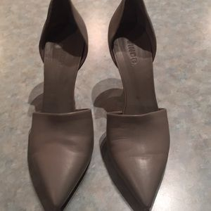Vince grey leather shoes